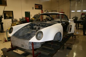 Porsche-911RSR-gains-more-bodywork-1024x682